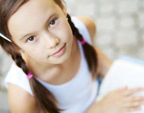 Ma fille de 10 ans se comporte déjà comme une ado
