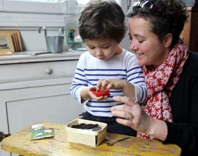 Jardiner avec les petits de 2 à 6 ans