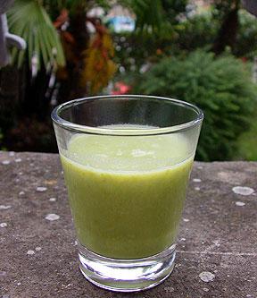 soupe glac e aux petits pois lait de coco citron vert. Black Bedroom Furniture Sets. Home Design Ideas